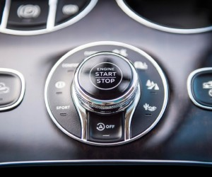 2017-bentley-bentayga-engine-start-and-drive-mode-selection-knob-02